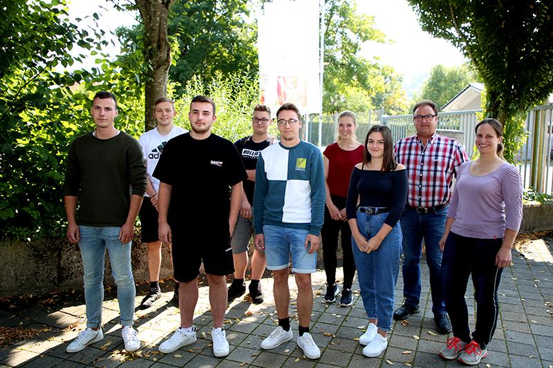 Neue Auszubildende bei der Josef Weiß Elektrotechnik